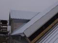 Hier fehlt noch der Anschluss vom mittleren zum seitlichen Dach